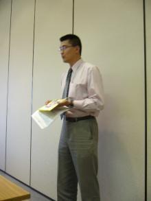 経営発表する野田社長